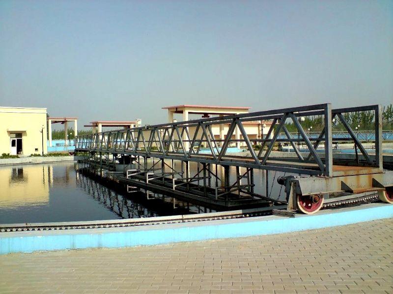 全桥式周边传动刮吸泥机特点及适应范